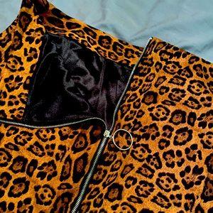 Cheetah print mini skirt with silver zipper